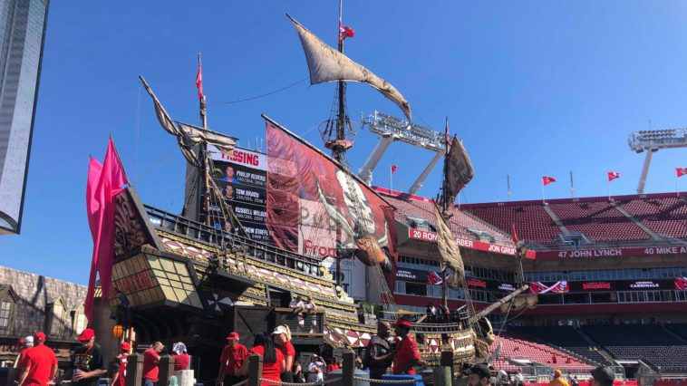 Photo of giant pirate ship at Raymond James Stadium